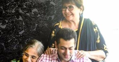 Bollywood Movies For Mother's Day