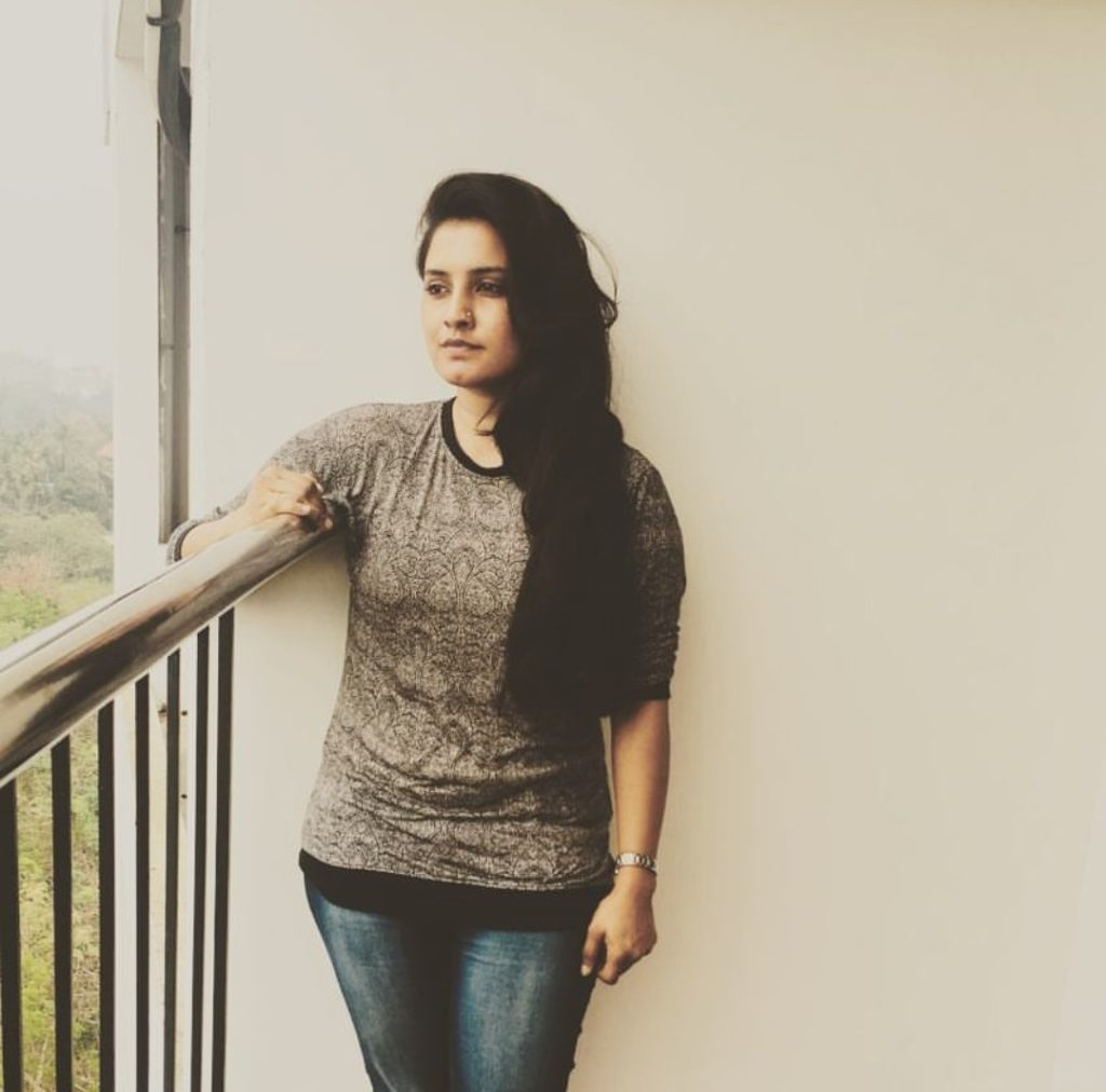 Roshna Ann Roy Pics