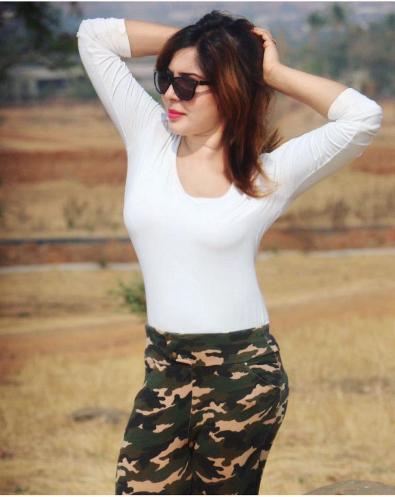 Leeana Anand Sexy Photos